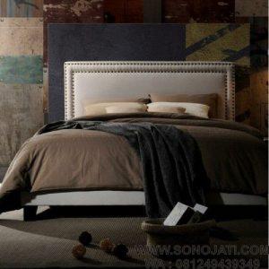 Tempat Tidur Kayu Misael