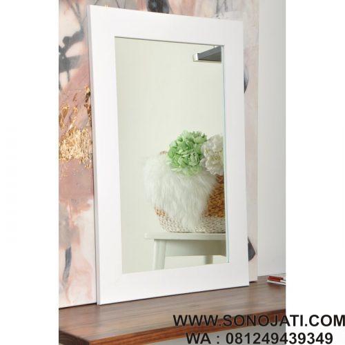 Cermin Dinding Minimalis Modern Lewisburg
